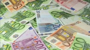 237203-euros-and-notes